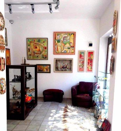 UTOPIA Art & Design House