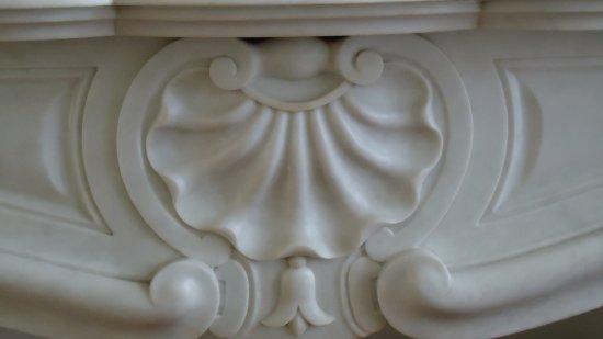 Detail marmeren schoorsteen picture of art deco the hague