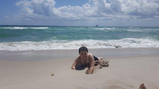 Fort Lauderdale Beach : 20170411_120240_large.jpg