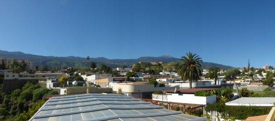 Hotel Perla Tenerife : vue terrasse solarium