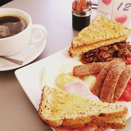 Hartleys Coffee & Sandwich Bar : Full english breakfast