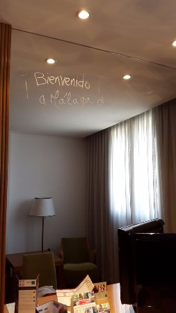 Tryp Malaga Alameda Hotel: Bienvenudo a Malaga!