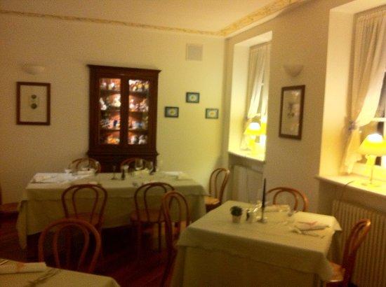 Dizzasco, Italy: Una delle salette