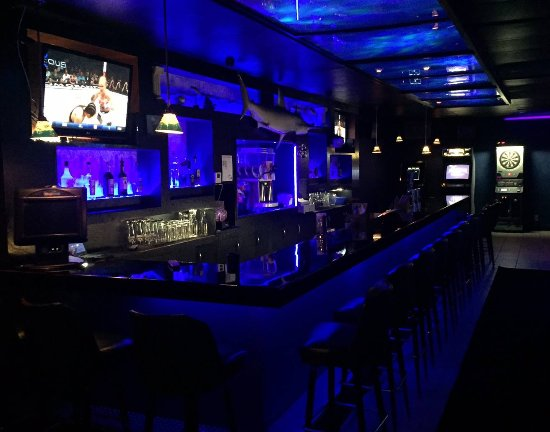 Hammerheads Bar and Lounge