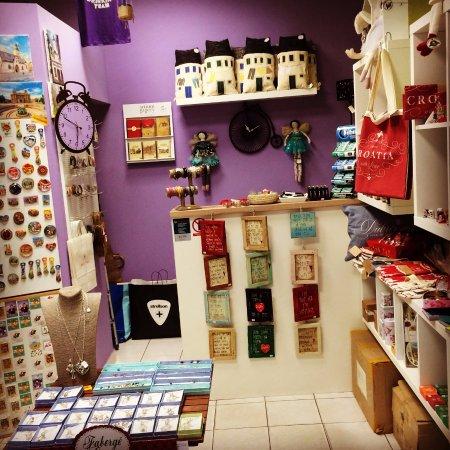 Mizonis - Souvenir & Gift Shop