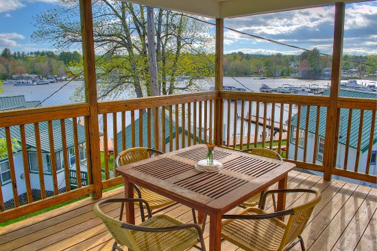 Naples, ME: private deck overlooking Brandy Pond