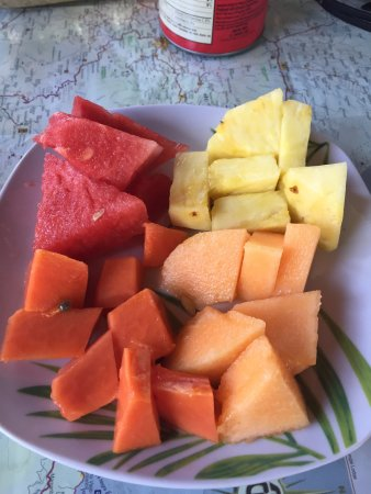 La Garita, Costa Rica: breakfast fruit!!!  So fresh!