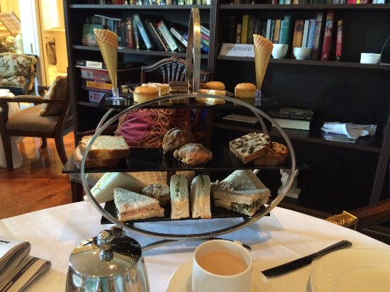 Tullow, Irland: Afternoon tea