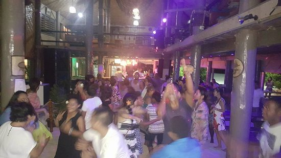 Beachcomber Island, Fiji: I found this surprising but the bar and the whole party area transformed into a nightclub at nig