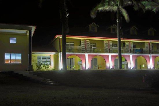 Cap Reva: la parti droite de hôtel de nuit