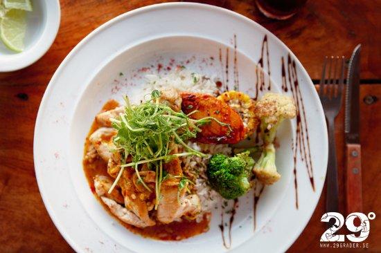 Brisas del Mar: Curry Chicken
