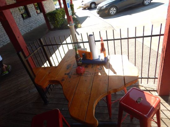 Euless, TX: Kool Texas shaped table