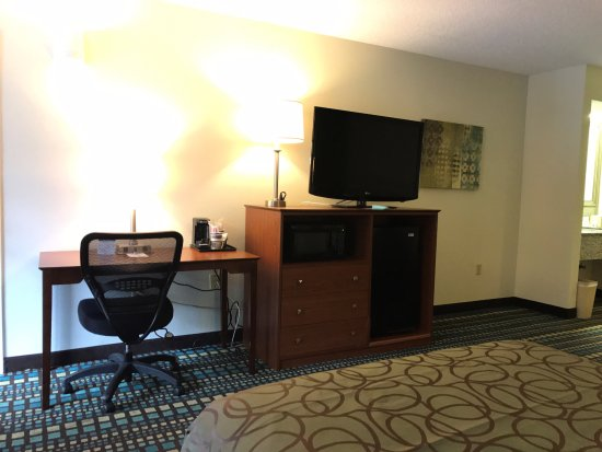 Best Western Tallahassee-Downtown Inn & Suites: AMMENITIES