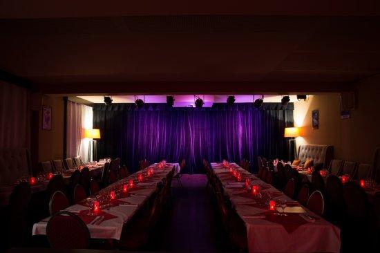 Akşam Yemeği Tiyatroları