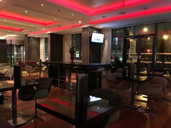 Pestana Chelsea Bridge Hotel & Spa London: Lobby bar