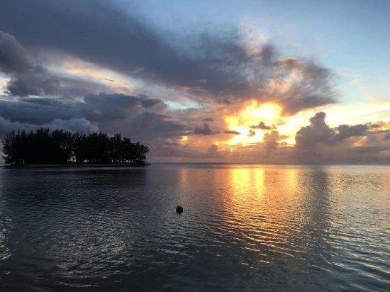 Moorea Fare Miti: Coucher de soleil de la plage (sunset)