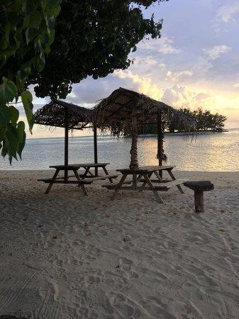 Moorea Fare Miti: autre vue plage