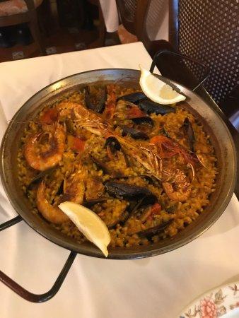 Can Vicent: Restaurante de referencia en Sant Carles de la Ràpita. Comida excelente. Paellas sabrosas guisad