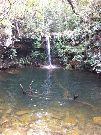 Cachoeira Loquinhas: água fria e limpa, mesmo na chuva
