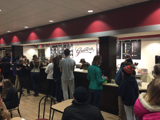 Winnetka, IL: The customer side of the long counter