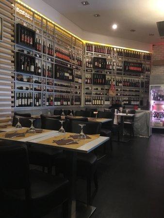 Neromora Paris Ristorante Pizzeria