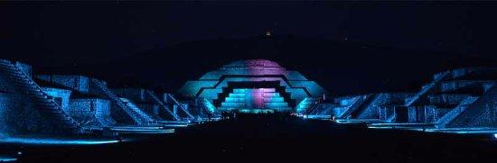 Espect culo de luz y sonido en teotihuacan picture of Espectaculo de luz y sonido en teotihuacan