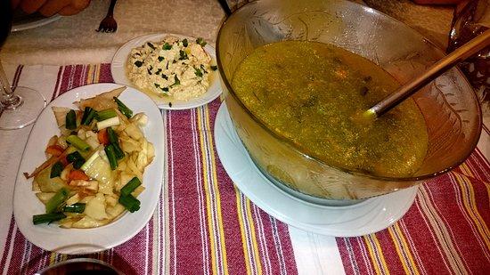 Hotel Baron: Večeře: předkrm a polévka