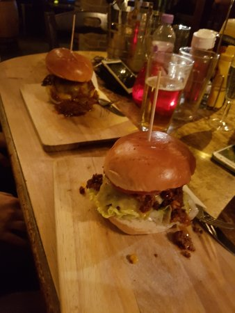 The Thirsty Bear : burgers