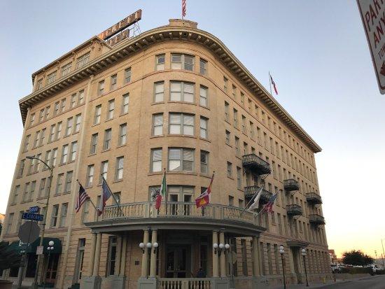Crockett Hotel: photo0.jpg