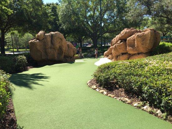 Disney's Fantasia Gardens Miniature Golf Course: Fairway Course at Disney Mini-Golf Course