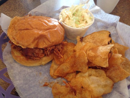 Hebron, MD: Pulled pork with chips. Pretty good!