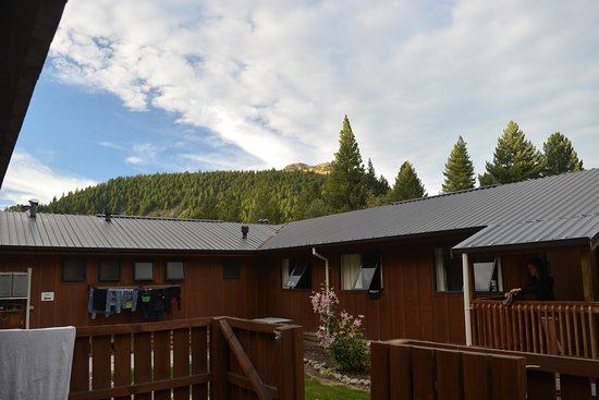 LakeFront Backpackers Lodge