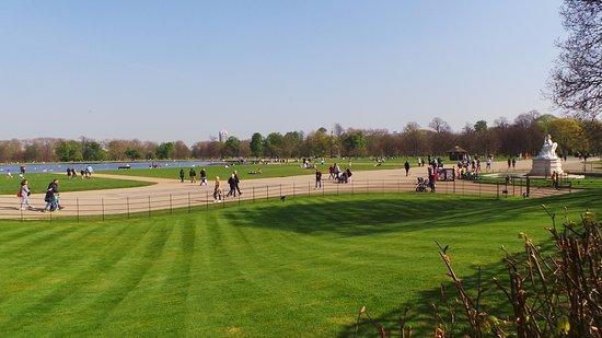Kensington park picture of kensington palace london for Kensington park