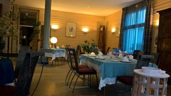 Chille, France : LA salle à manger