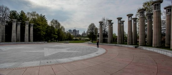 Bicentennial Capitol Mall State Park : The bell towers