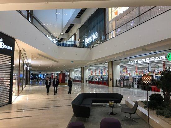 Foto di centro commerciale adigeo verona - Centro veneto del mobile recensioni ...