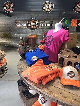 Neepawa, Canada: Come in and check out our Farmery Gear Store!