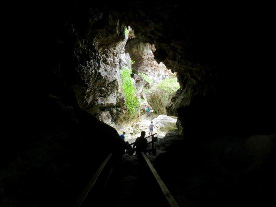 Niue: Big Cave