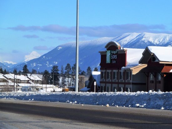Holiday Inn Express Hotel & Suites Kalispell: view into Glacier National Park