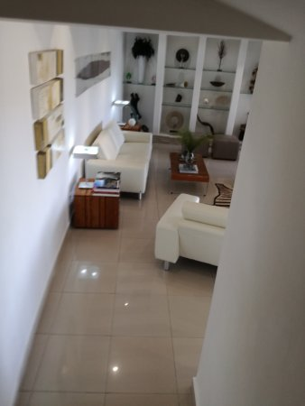 Villa Afrikana Guest Suites: IMG_20170401_143004_large.jpg