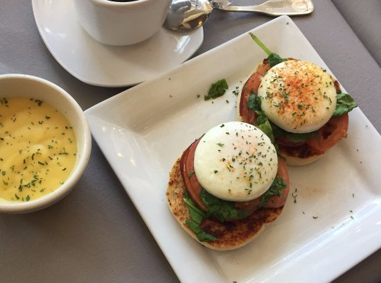 Rochester, MI: Egg Benedict with Hollandaise on the side