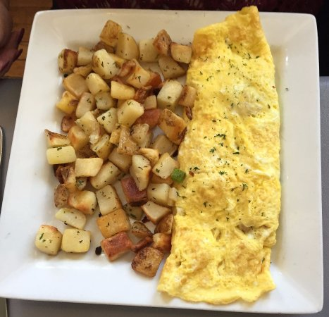 Rochester, MI: Build your own omelette & hash browns
