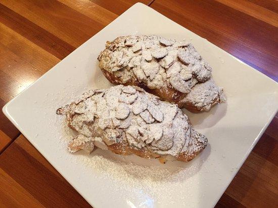 Skamokawa, WA: Almond croissants