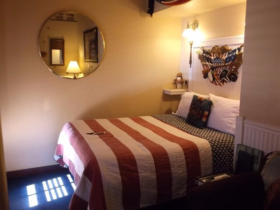 Ghost City Inn : Americana room I had