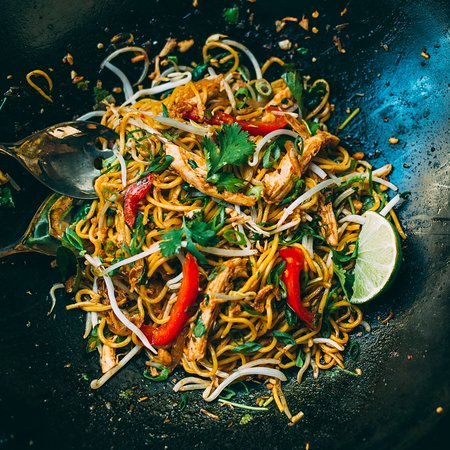 Noodlebox: Thai Style Chow Mein Box