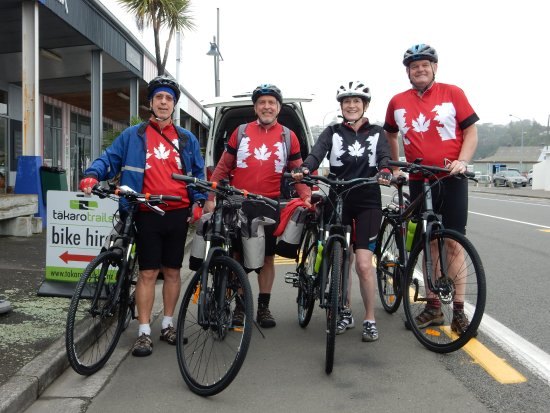 Takaro Trails Cycle Tours - Day Tours: Starting out on a five day tour.