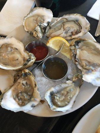 Boatyard Bar & Grill: photo0.jpg