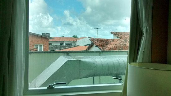 Verdegreen Hotel: Vista ruim do quarto.