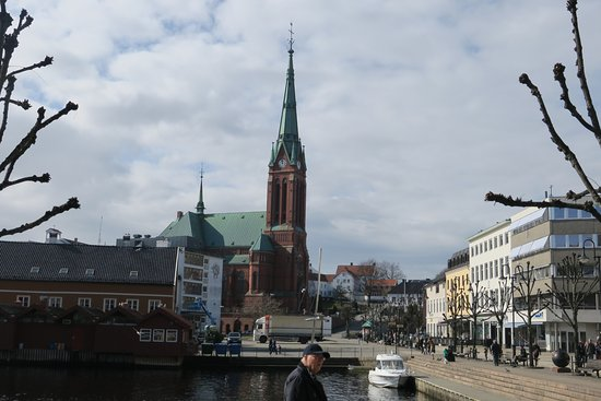 Arendal, Norveç: Trinity church, close to the hotel