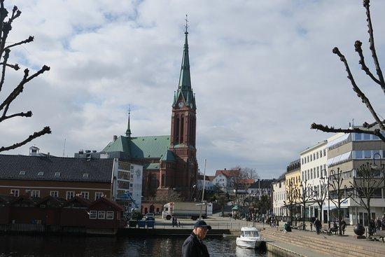 Arendal, Νορβηγία: Trinity church, close to the hotel